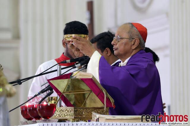 Memorial mass of 21st attack victims, Sri Lanka (17) - Read Photos