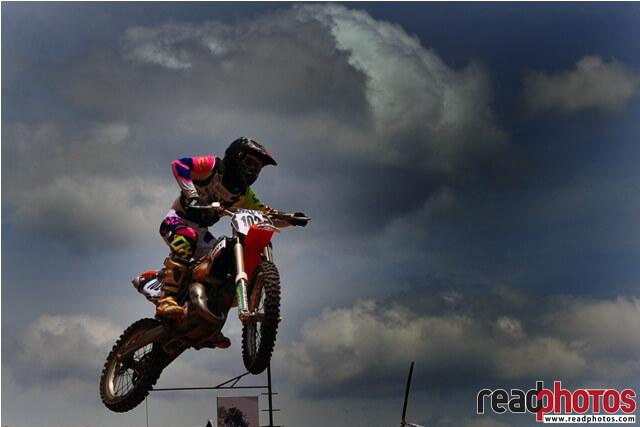 Motor cross, Rider, Sri Lanka - Read Photos