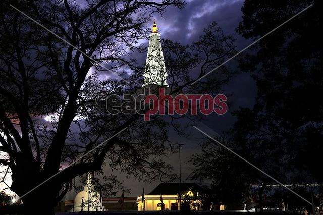 Ruwanwalisaya pagoda, Anuradhapura in Sri Lanka
