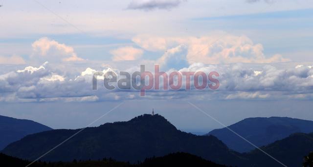 View of the Ambuluwawa tower from Galaha in Sri Lanka - Read Photos