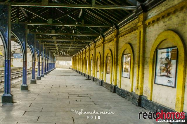 Railway station, Kompannavidiya, Sri Lanka - Read Photos