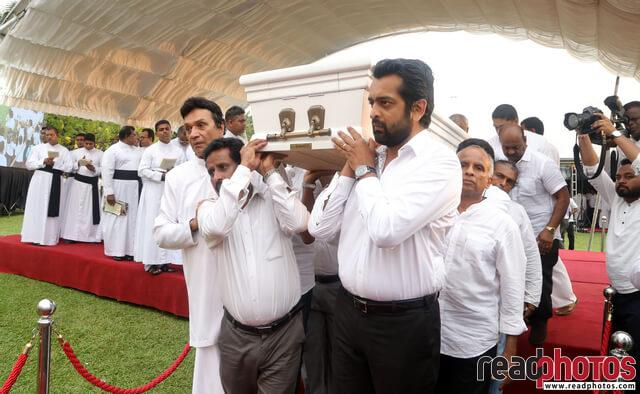 Lester James Peris funeral, Sri Lanka (4) - Read Photos