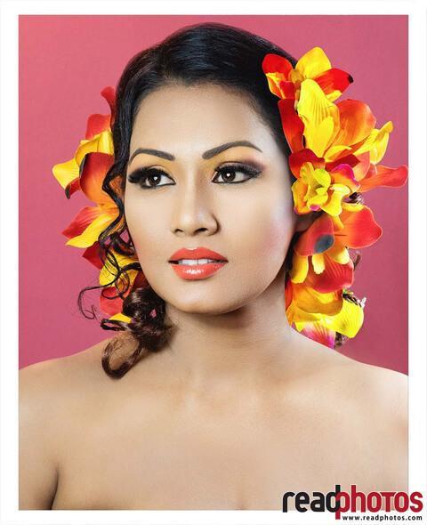 Decorated women, Sri Lanka (7) - Read Photos