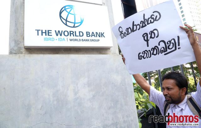 Protest to protect sinharaja forest, Sri Lanka (1) - Read Photos