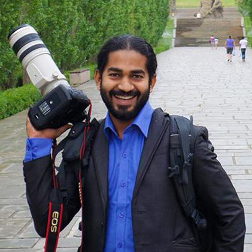 Read Photos - Deva Jayawardena